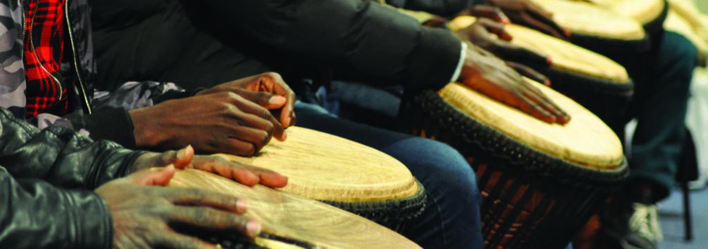 Percussions avec Antoine Gillain et les personnes accueillies en CADA/CAO
